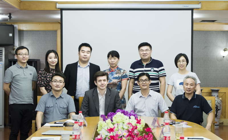Rouillon, president of the Shanghai ESSCA, visited our company for an exchange.